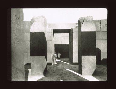 "<em>""Views, Objects: Egypt. Gizeh. View 11: Egyptian - Old Kingdom. Granite Temple near Pyramid of Khephren. Gizeh, 4th Dyn.""</em>. Lantern slide 3.25x4in, 3.25 x 4 in. Brooklyn Museum, lantern slides. (Photo: Joseph Hawkes, New York, S10_08_Egypt_Gizeh11_SL1.jpg"
