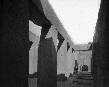"<em>""Views, Objects: Egypt. Gizeh. View 13: Egyptian - Old Kingdom. Granite Temple near Pyramid of Khepren. Gizeh, 4th Dyn.""</em>. Lantern slide 3.25x4in, 3.25 x 4 in. Brooklyn Museum, lantern slides. (Photo: Joseph Hawkes, New York, S10_08_Egypt_Gizeh13.jpg"