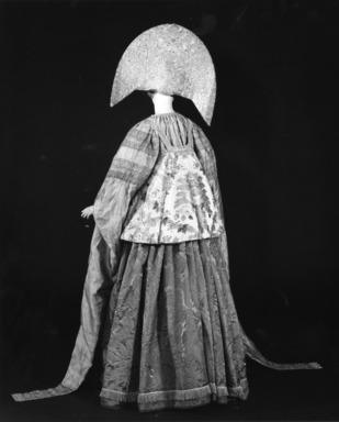 Curator's Choice: Pearls Among the Gold: Russian Women's Festive Dress, February 25, 1987 through June 29, 1987 (Image: CTX_E1987i006.jpg Brooklyn Museum photograph, 1987)