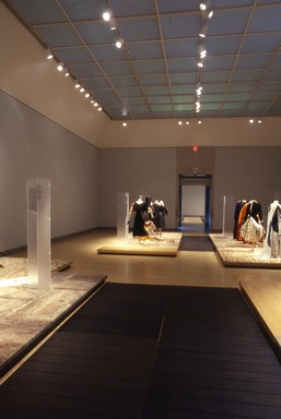Japonism in Fashion. [11/20/1998 - 02/14/1999]. Installation view.
