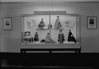 Dolls and Toys of Many Lands, December 15, 1939 through January 29, 1940 (Image: PHO_E1939i022.jpg Brooklyn Museum photograph, 1939)