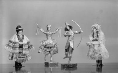 Dolls and Toys of Many Lands, December 15, 1939 through January 29, 1940 (Image: PHO_E1939i028.jpg Brooklyn Museum photograph, 1939)
