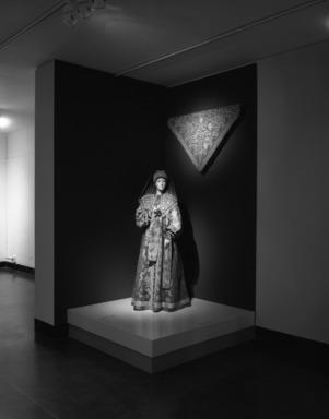 Curator's Choice: Pearls Among the Gold: Russian Women's Festive Dress, February 25, 1987 through June 29, 1987 (Image: PHO_E1987i003.jpg Brooklyn Museum photograph, 1987)
