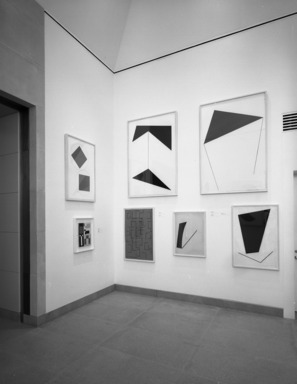 Leon Polk Smith: Selected Works, 1943-1992. [02/19/1993 - 01/02/1994]. Installation view.