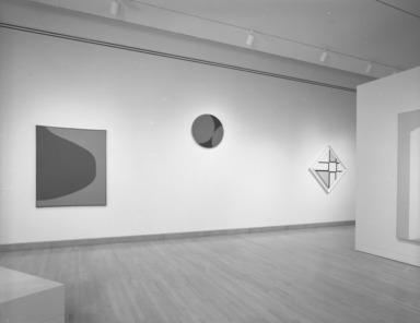Leon Polk Smith: American Painter, September 29, 1995 through January 07, 1996 (Image: PHO_E1995i076.jpg Brooklyn Museum photograph, 1995)