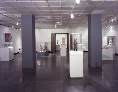 The Guennol Collection: Cabinet of Wonders, February 25, 2000 through May 07, 2000 (Image: PHO_E2000i004.jpg Brooklyn Museum photograph, 2000)