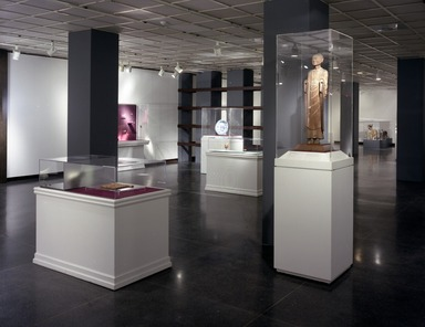 The Guennol Collection: Cabinet of Wonders, February 25, 2000 through May 07, 2000 (Image: PHO_E2000i014.jpg Brooklyn Museum photograph, 2000)