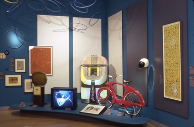 Vital Forms: American Art and Design in the Atomic Age, 1940-1960, October 12, 2001 through January 6, 2002 (Image: PSC_E2001i220.jpg Brooklyn Museum photograph, 2001)