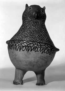 She-we-na (Zuni Pueblo). <em>Owl Vessel</em>, 1868-1933. Clay, pigment, 12 3/16 x 9 7/16in. (31 x 24cm). Brooklyn Museum, By exchange, 01.1535.2190. Creative Commons-BY (Photo: Brooklyn Museum, 01.1535.2190_bw.jpg)