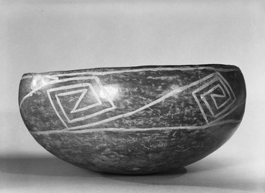Ancient Pueblo (Anasazi). <em>Kwakina Polychrome Bowl</em>, 1325-1400. Clay, slip, pigment, 5 x 10 1/2 x 10 1/2 in. (12.7 x 26.7 x 26.7 cm). Brooklyn Museum, Gift of Charles A. Schieren, 02.256.2258. Creative Commons-BY (Photo: Brooklyn Museum, 02.256.2258_view2_bw_SL5.jpg)