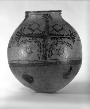 Ko-Tyit (Cochiti Pueblo). <em>Olla or Jar</em>, late 19th century. Clay, pigment, 20 1/2 x 20 in. (52.1 x 50.8cm). Brooklyn Museum, Riggs Pueblo Pottery Fund, 02.257.2390. Creative Commons-BY (Photo: Brooklyn Museum, 02.257.2390_bw.jpg)