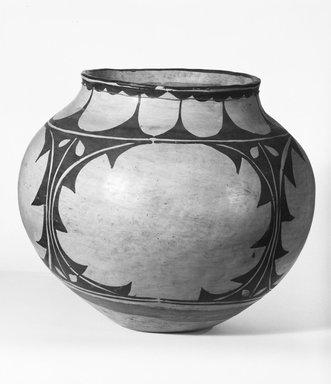 Pueblo, Keres. <em>Jar</em>, late 19th century. Clay, slip, 9 1/4 x 6 3/4 in.  (23.5 x 17.1 cm). Brooklyn Museum, Riggs Pueblo Pottery Fund, 02.257.2534. Creative Commons-BY (Photo: Brooklyn Museum, 02.257.2534_bw_SL5.jpg)