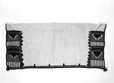 She-we-na (Zuni Pueblo). <em>Rectangular Kilt (Pi-lsan-tsin-as-ya-la)</em>, late 19th century. Cotton, wool yarn, 30 1/2 x 18 in. (98 x 45 cm). Brooklyn Museum, Museum Expedition 1903, Museum Collection Fund, 03.325.3384. Creative Commons-BY (Photo: Brooklyn Museum, 03.325.3384_bw_SL5.jpg)