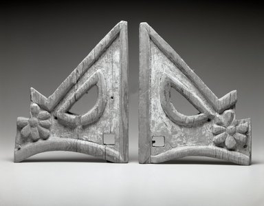 She-we-na (Zuni Pueblo). <em>Triangular Carved Bracket (Tset-tesh Kwim-nai)</em>, 1775-1776. Wood, gesso, pigment, 11 1/2 x 9 1/2 x 1 1/4. Brooklyn Museum, Museum Expedition 1903, Museum Collection Fund, 03.325.3489b. Creative Commons-BY (Photo: , 03.325.3489a-b_bw.jpg)