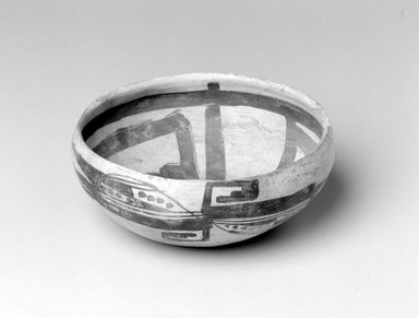 Southwest (unidentified). <em>Bowl</em>, ca. 1300-1700. Clay, slip, 3 5/8 x 8 1/8 x 8 1/8 in. (9.2 x 20.6 x 20.6 cm). Brooklyn Museum, Museum Expedition 1903, Museum Collection Fund, 03.325.4019. Creative Commons-BY (Photo: Brooklyn Museum, 03.325.4019_bw.jpg)