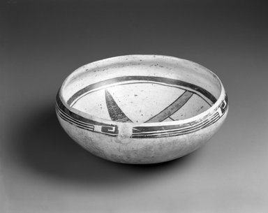 Sikyatki. <em>Bowl</em>, ca. 1300-1700. Pottery, pigment, 4 1/8 x 9 5/8 x 9 5/8 in. (10.5 x 24.4 x 24.4 cm). Brooklyn Museum, Museum Expedition 1903, Museum Collection Fund, 03.325.4327. Creative Commons-BY (Photo: Brooklyn Museum, 03.325.4327_view2_bw.jpg)