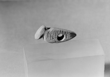 Southwest (unidentified). <em>Bird-shaped Pendant Amulet</em>, 600-1300. Stone, 1 3/16 x 1/4 x 1/4 in. (3 x 0.6 x 0.6 cm). Brooklyn Museum, Museum Expedition 1903, Museum Collection Fund, 03.325.4509. Creative Commons-BY (Photo: Brooklyn Museum, 03.325.4509_acetate_bw.jpg)