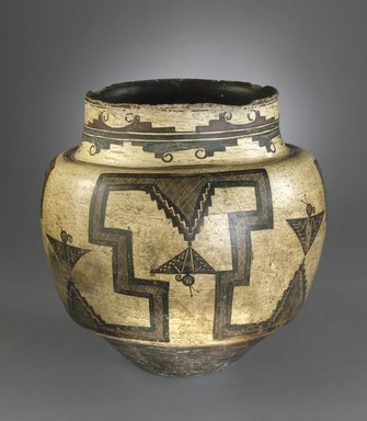 She-we-na (Zuni Pueblo). <em>Water Jar</em>, 1825-1850. Clay, pigment, 12 3/4 x 12 3/4 in. (31.5 x 33.5 cm). Brooklyn Museum, Museum Expedition 1903, Museum Collection Fund, 03.325.4723. Creative Commons-BY (Photo: Brooklyn Museum, 03.325.4723_edited_SL1.jpg)