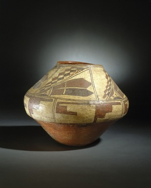 She-we-na (Zuni Pueblo). <em>Ashiwi Polychrome Water Jar</em>, 1700-1750. Pottery, slip, 11 1/4 x 13 1/4 x 13 1/4 in. (28.6 x 33.7 x 33.7 cm). Brooklyn Museum, Museum Expedition 1903, Museum Collection Fund, 03.325.4739. Creative Commons-BY (Photo: Brooklyn Museum, 03.325.4739_SL1.jpg)