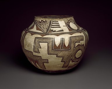 She-we-na (Zuni Pueblo). <em>Water Jar (Tai-lai)</em>, late 19th-early 20th century. Ceramic, pigment, 11 x 14 in. (29.0 x 36.0 cm). Brooklyn Museum, Museum Expedition 1904, Museum Collection Fund, 04.297.5248. Creative Commons-BY (Photo: Brooklyn Museum, 04.297.5248_SL3.jpg)