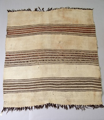 She-we-na (Zuni Pueblo). <em>Blanket</em>, 19th century. Handspun wool, 58 x 52 3/8 in. (147.3 x 133 cm). Brooklyn Museum, Museum Expedition 1904, Museum Collection Fund, 04.297.5422. Creative Commons-BY (Photo: Brooklyn Museum, 04.297.5422_PS5.jpg)