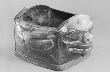 Haida. <em>Bear Feast Bowl</em>, 19th century. Wood, plant fiber, twine, 8 x 13 1/2 x 12 in. (20.3 x 34.3 x 30.5 cm). Brooklyn Museum, Museum Expedition 1905, Museum Collection Fund, 05.251. Creative Commons-BY (Photo: Brooklyn Museum, 05.251_acetate_bw.jpg)
