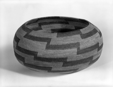 Elsie Lake (Pomo). <em>Coiled Globular Basket</em>. Willow, sedge root, redbud bark, 4 1/2 x 9 1/4 or (11.0 23.5 cm). Brooklyn Museum, Museum Expedition 1908, Museum Collection Fund, 08.491.8639. Creative Commons-BY (Photo: Brooklyn Museum, 08.491.8639_bw.jpg)