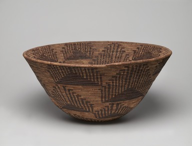Amanda Wilson (Maidu, ca. 1860-1946). <em>Coiled Cooking Basket (Bush-ku) with mountain quail topknot design (wash-wash-ka)</em>, ca. 1908. Sedge root, split redbud shoots, willow rods, 7 x 15 in. (18.5 x 38.0 cm). Brooklyn Museum, Museum Expedition 1908, Museum Collection Fund, 08.491.8683. Creative Commons-BY (Photo: , 08.491.8683_view01_PS9.jpg)