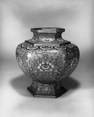 <em>Large Hexagonal Vase</em>, 1736-1795. Cloisonné enamel on copper alloy, 14 3/16 x 13 3/16 in. (36 x 33.5 cm). Brooklyn Museum, Gift of Samuel P. Avery, 09.543. Creative Commons-BY (Photo: Brooklyn Museum, 09.543_bw.jpg)
