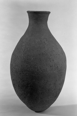 <em>Ovoid Bottle</em>, ca. 3500-3400 B.C.E. Terracotta, 10 3/4 x 6 7/16 in. (27.3 x 16.3 cm). Brooklyn Museum, Charles Edwin Wilbour Fund, 09.889.768. Creative Commons-BY (Photo: Brooklyn Museum, 09.889.768_bw.jpg)