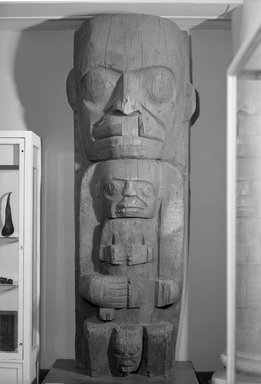 Heiltsuk (Bella Bella). <em>House Post, from a Set of Four</em>, 19th century. Cedar wood, 105 3/4 x 32 3/4 x 21in. (268.6 x 83.2 x 53.3cm). Brooklyn Museum, Museum Expedition 1911, Museum Collection Fund, 11.700.4. Creative Commons-BY (Photo: Brooklyn Museum, 11.700.4_acetate_bw.jpg)
