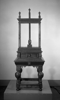 <em>Linen Press</em>, 17th century. Oak, 76 3/4 x 27 13/16 x 23 5/8 in. (195 x 70.6 x 60 cm). Brooklyn Museum, Brookyln Museum Collection, 12.877. Creative Commons-BY (Photo: Brooklyn Museum, 12.877_acetate_bw.jpg)