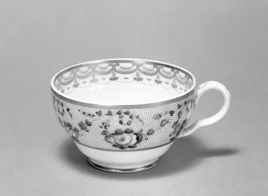 Derby Porcelain Factory (1750-present). <em>Cup</em>, ca. 1825. Porcelain, 2 1/8 x 3 5/8 in. (5.4 x 9.2 cm). Brooklyn Museum, Gift of Reverend Alfred Duane Pell, 13.1076.15. Creative Commons-BY (Photo: Brooklyn Museum, 13.1076.15_bw.jpg)