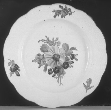 Imperial Factory. <em>Plate</em>, 1762-1796. Porcelain, 1 3/8 x 10 in. (3.5 x 25.4 cm). Brooklyn Museum, Gift of Reverend Alfred Duane Pell, 13.1076.6. Creative Commons-BY (Photo: Brooklyn Museum, 13.1076.6_glass_bw.jpg)