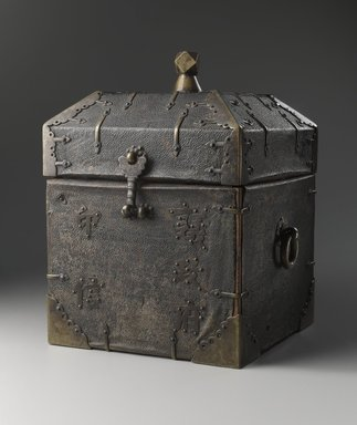 <em>Box for Official Seal</em>, last half of 18th century. Wood, lacquered sharksin, metal fittings, 10 1/2 x 8 3/4 x 7 1/2 in. (26.7 x 22.2 x 19.1 cm). Brooklyn Museum, Museum Expedition 1913-1914, Museum Collection Fund, 13.1078. Creative Commons-BY (Photo: Brooklyn Museum, 13.1078_PS6.jpg)