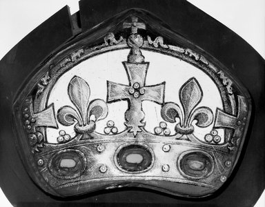 <em>Panel depicting Jewelled Crown</em>, 15th century. Stained glass, 6 x 8 in. (15.2 x 20.3 cm). Brooklyn Museum, Special Contributions, 13.82. Creative Commons-BY (Photo: Brooklyn Museum, 13.82_bw.jpg)