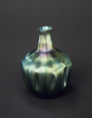 Tiffany Studios (1902-1932). <em>Flower Vase</em>, ca. 1900. Favrile glass, 6 1/2 x 5 1/4 x 5 1/4 in. (16.5 x 13.3 x 13.3 cm). Brooklyn Museum, Gift of Charles W. Gould, 14.739.18. Creative Commons-BY (Photo: Brooklyn Museum, 14.739.18.jpg)