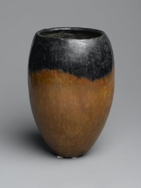 <em>Black-Topped Pottery Jar</em>, ca. 3500-3300 B.C.E. Clay, 7 7/16 x Greatest Diam. 5 1/8 in. (18.9 x 13 cm). Brooklyn Museum, Gift of Evangeline Wilbour Blashfield, Theodora Wilbour, and Victor Wilbour honoring the wishes of their mother, Charlotte Beebe Wilbour, as a memorial to their father, Charles Edwin Wilbour, 16.580.139. Creative Commons-BY (Photo: Brooklyn Museum, 16.580.139_PS2.jpg)