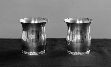 American. <em>Pair of Beakers</em>, ca. 1825. Silver Brooklyn Museum, Gift of Mrs. Edward McClure Peters, 19.123a-b. Creative Commons-BY (Photo: Brooklyn Museum, 19.123a-b_acetate_bw.jpg)