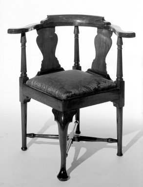 American. <em>Roundabout Chair</em>, ca. 1740. Wood, 31 1/2 x 24 x 24 in. (80 x 61 x 61 cm). Brooklyn Museum, Henry L. Batterman Fund, 19.153. Creative Commons-BY (Photo: Brooklyn Museum, 19.153_bw.jpg)