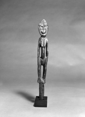 Iatmul. <em>Female Figure</em>. Wood, 17 x 4 x 3 1/2 in. (43.2 x 10.2 x 8.9 cm). Brooklyn Museum, The Adolph and Esther D. Gottlieb Collection, 1989.51.41. Creative Commons-BY (Photo: Brooklyn Museum, 1989.51.41_bw.jpg)