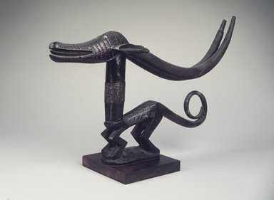 Bamana. <em>Headdress (Ci-wara Kun)</em>, 20th century. Wood, metal, pigment, 11 x 22 1/4 x 2 1/2in. (27.9 x 56.5 x 6.4cm). Brooklyn Museum, The Adolph and Esther D. Gottlieb Collection, 1989.51.51. Creative Commons-BY (Photo: Brooklyn Museum, 1989.51.51.jpg)