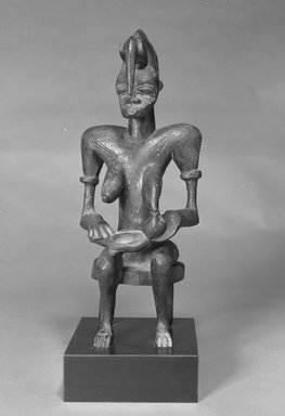 Senufo. <em>Figure of a Mother and Child</em>, 20th century. Wood, pigment, 19 5/8 x 8 x 6 1/2 in. (49.3 x 20.3 x 16.5 cm). Brooklyn Museum, The Adolph and Esther D. Gottlieb Collection, 1989.51.5. Creative Commons-BY (Photo: Brooklyn Museum, 1989.51.5_bw.jpg)