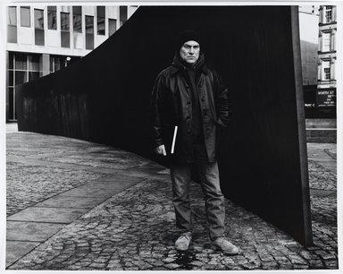"Arthur Mones (American, 1919-1998). <em>Richard Serra beside His ""Tilted Arc,""</em> 1988. Gelatin silver photograph, sheet: 16 × 20 in. (40.6 × 50.8 cm). Brooklyn Museum, Gift of the artist, 1990.118. © artist or artist's estate (Photo: Brooklyn Museum, 1990.118_PS4.jpg)"
