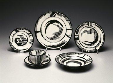 Roy Lichtenstein (American, 1923-1997). <em>Dinner Plate</em>, 1966. Glazed earthenware, 1 1/8 x 10 1/4 x 10 1/4 in. (2.9 x 26 x 26 cm). Brooklyn Museum, Modernism Benefit Fund, 1990.37.1. Creative Commons-BY (Photo: Brooklyn Museum, 1990.37.1_SL1.jpg)