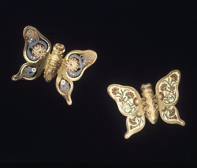 Charles T. Grosjean (American, died 1888). <em>Napkin Clip, 1 of 2</em>, 1878-1879. Gilt silver and enamel, 2 1/2 x 3 1/4 x 3/4 in. (6.4 x 8.3 x 1.9 cm). Brooklyn Museum, Gift of the American Art Council, 1991.101.1. Creative Commons-BY (Photo: , 1991.101.1_1991.101.2_transp342.jpg)