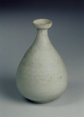 <em>Bottle</em>, late 19th-early 20th century. Porcelain, Height: 6 9/16 in. (16.7 cm). Brooklyn Museum, Gift of the Estate of Charles A. Brandon, 1991.74.32. Creative Commons-BY (Photo: Brooklyn Museum, 1991.74.32.jpg)