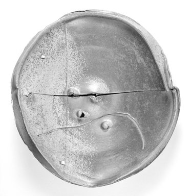 Peter Voulkos (American, 1924-2002). <em>Plate</em>, 1980. Stoneware, 5 1/2 x 20 1/2 x 22 1/4 in. (14 x 52.1 x 56.5 cm). Brooklyn Museum, Gift of Jan Cowles, 1992.154. Creative Commons-BY (Photo: Brooklyn Museum, 1992.154_bw.jpg)
