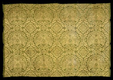<em>Loom Width of Silk Fragment</em>, 13th-14th century. Silk, gilt paper, 18 x 22 in. (45.7 x 55.9 cm). Brooklyn Museum, Gift of the Asian Art Council, 1992.81. Creative Commons-BY (Photo: Brooklyn Museum, 1992.81_SL1.jpg)