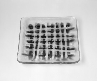 Earl McCutchen. <em>Plate</em>, ca. 1955. Glass, 7/8 x 7 1/8 x 7 1/8 in. (2.2 x 18.1 x 18.1 cm). Brooklyn Museum, Gift of Mark Isaacson, 1992.92.30. Creative Commons-BY (Photo: Brooklyn Museum, 1992.92.30_bw.jpg)